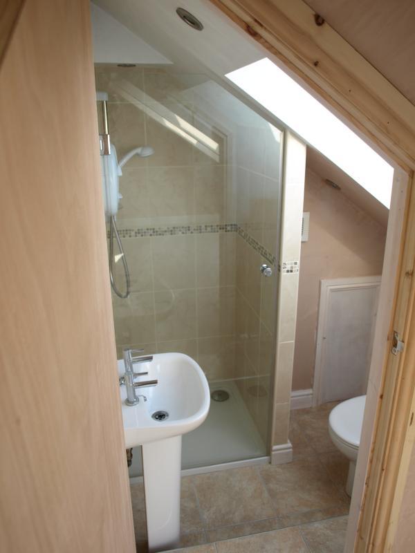 Bambridge loft conversions attic conversion the process - Ensuite ideas small spaces gallery ...